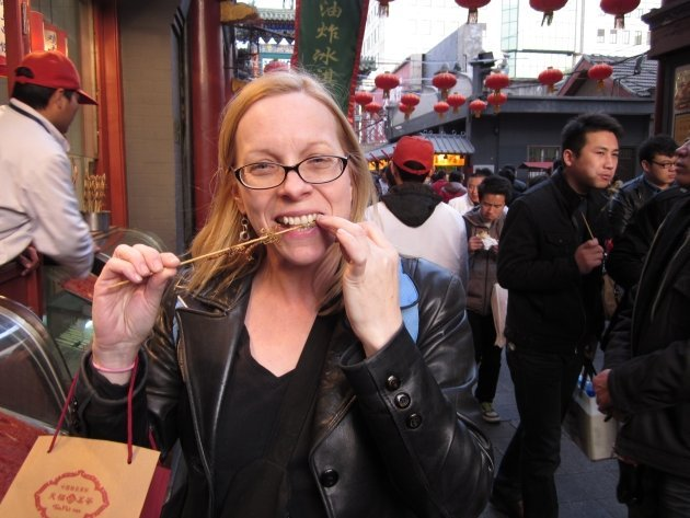 Solo Travel Tips - Eat the Street Food! Wangfujing street food in Beijing, China - Susan eats scorpions!