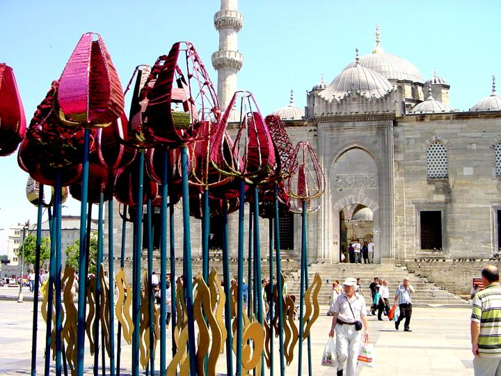 New Mosque and tulip sculpture - Istanbul Turkey