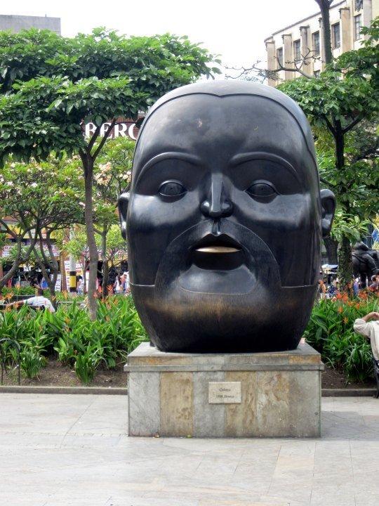Plaza Botero - Cabezo (Head) 1999 bronze by Fernando Botero