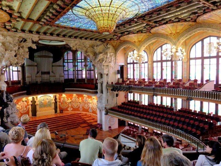 La Ribera district Barcelona - tour Palau de la Musica Catalana concert hall in Barcelona