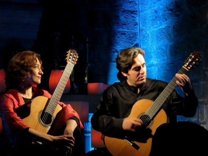 Art de Guitarra Concert at Santa Anna church - Barcelona duo de Guitarra - Ksenia Axelroud and Joan Benejam