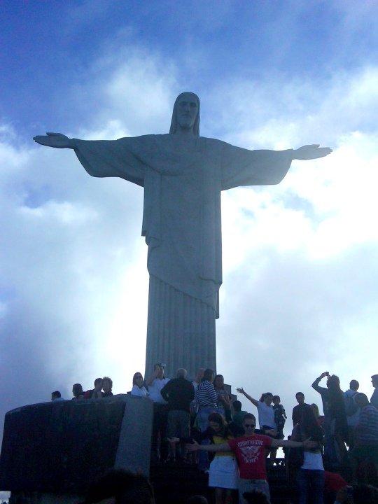 Cristo Redentor flocked by tourists - Corcovado - Tijuca National Park Rio de Janeiro Brazil
