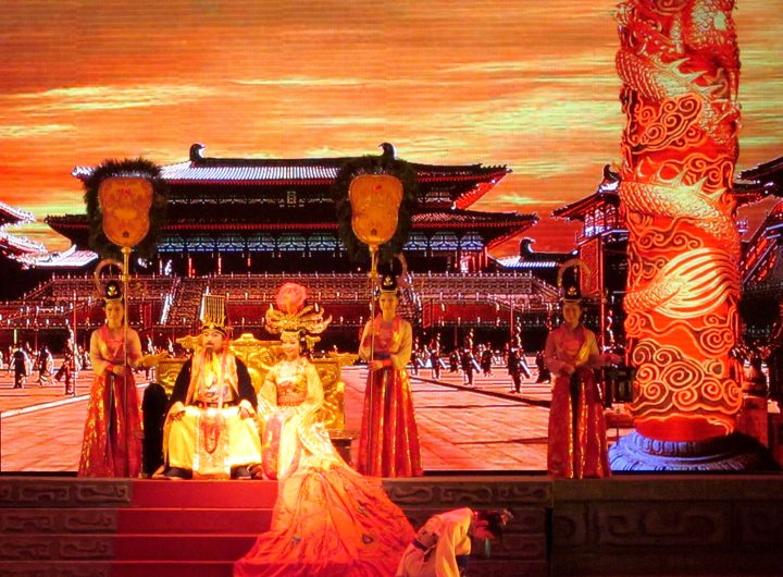 Tang Dynasty theatrical show and dumpling banquet features singing, dancing, elaborate costumes