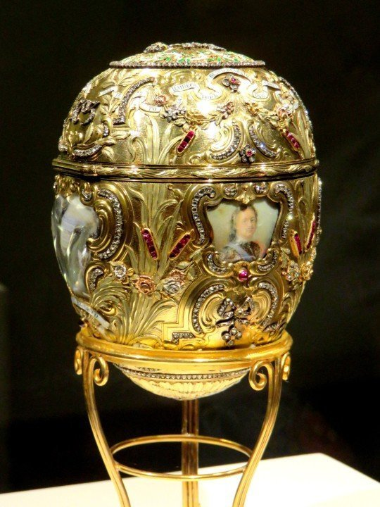 Fabergé Imperial Peter the Great Easter Egg 1903 - several colors of gold along with exquisite cloisonne enamel technique