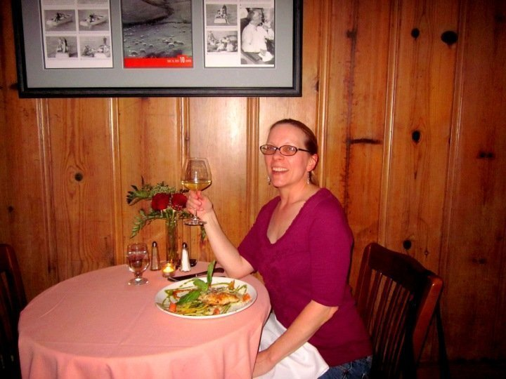 Advice for solo travelers - choose boutique hotels - dining solo at Roosevelt's at the Tarpon Inn - Port Aransas Texas Gulf coast