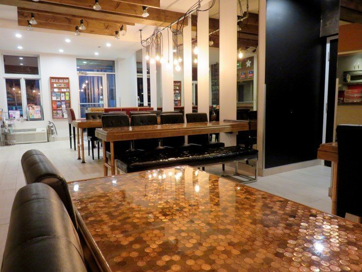Montreal Central Hostel near the Latin Quarter features a bar and 24 hour reception