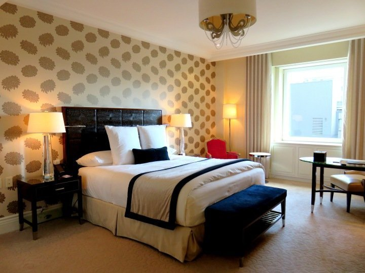 Hotel vs Hostel - Ritz-Carlton Montreal - AAA 5 diamond luxury hotel on Sherbrooke Street