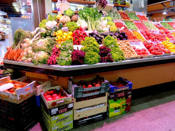 La Ribera district Barcelona - best food market is Santa Caterinia Market on Av. Francesc Cambó