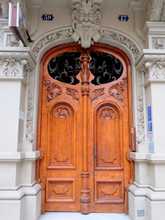 La Ribera district Barcelona - walking neighborhood, beautiful doors, architecture