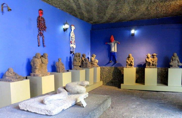 Frida Kahlo Museum - Coyoacan Mexico City - Mardonio Magana sculpture gallery