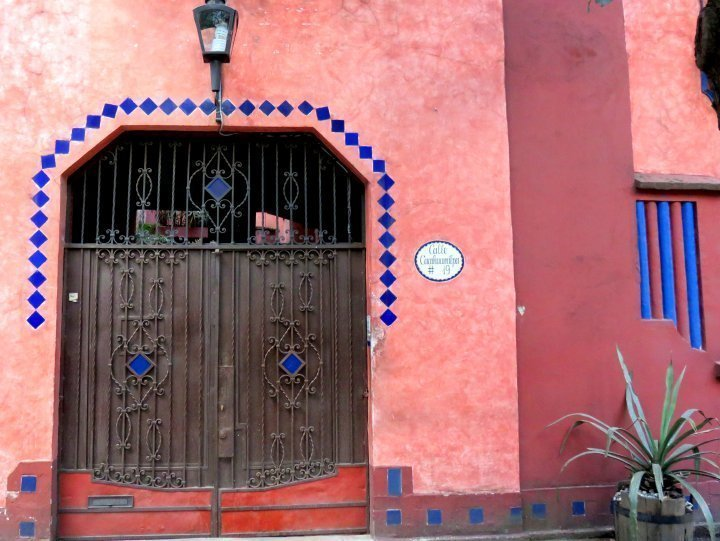 La Condesa Mexico City art deco style architecture is well preserved - great walking neighborhood