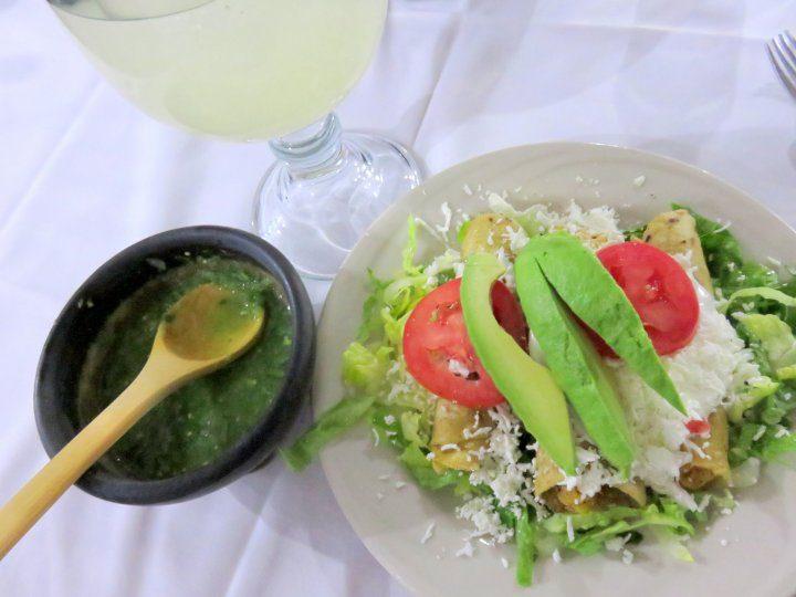 Mexico City tacos salsa limonada - Restaurante El Morral in Coyoacan neighborhood