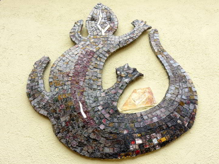 Lloret de Mar mosaic lizard by J Prieto at Sant Roma