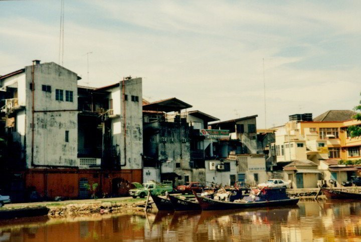 Boating tour along the Malacca River - Southeast Asia solo trip in 1993
