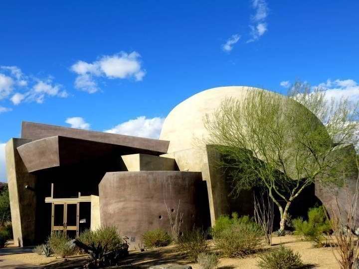 Henderson Building in Palm Desert California