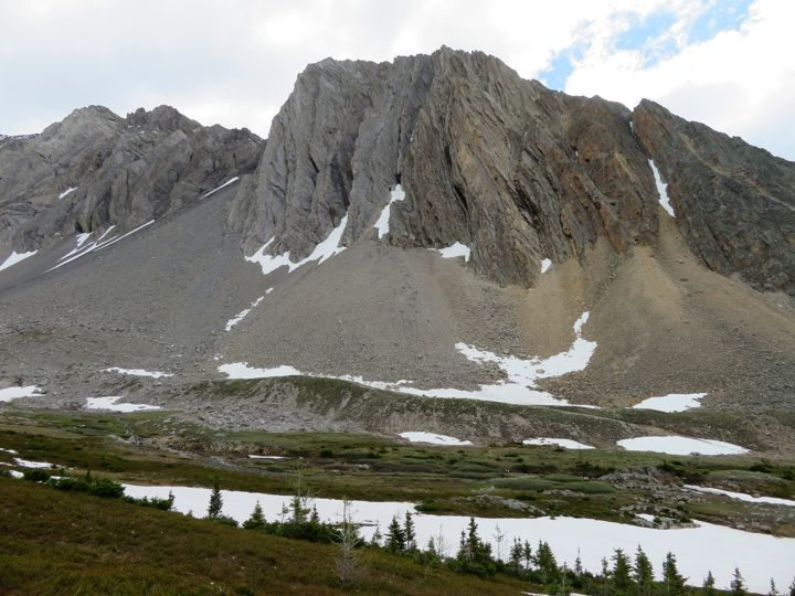 Kananaskis hiking trail Ptarmigan Cirque with view of the Rocky Mountains