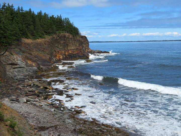 Ovens Natural Park Sea Cave Trail and Campgrounds Nova Scotia •