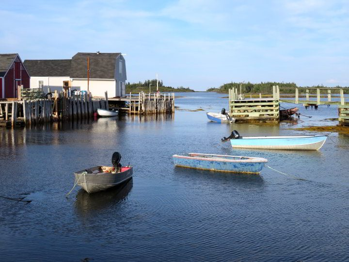 Blue Rocks Nova Scotia fishing boats at the wharf