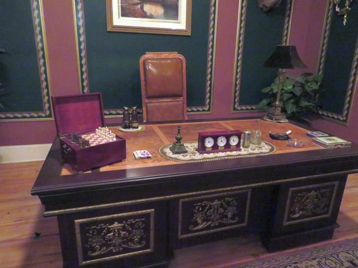 Al Capone's desk in Moose Jaw Saskatchewan - Tunnels of Moose Jaw Tour