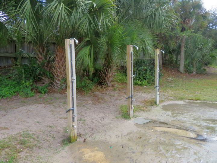 Showers at Mickler Beach FL are located by the parking lot