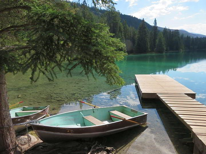 Row boat and dock at lake number 5 at Valley of the Five Lakes hike