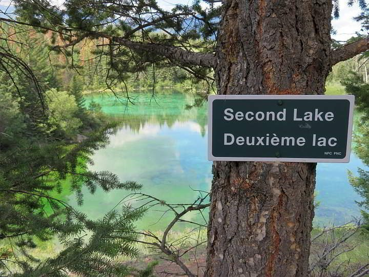 Sign for Second Lake at the Valley of the Five Lakes hiking trail in Jasper