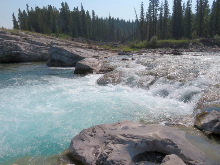 A short drive from Calgary the Elbow Falls is an easy hike close to Bragg Creek