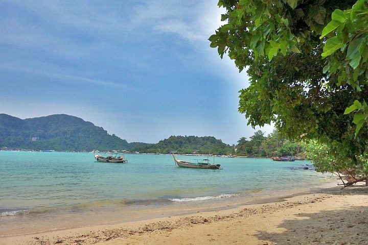 Koh Phi Phi Thailand is popular for solo backpacker travel in Asia due to gorgeous beaches