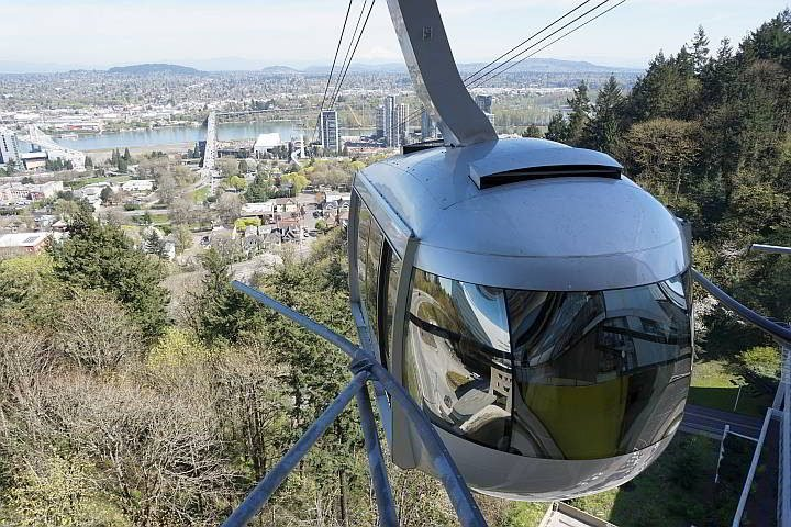 Portland Aerial Tram is the perfect way to see awesome views of the city - add it to your itinerary!