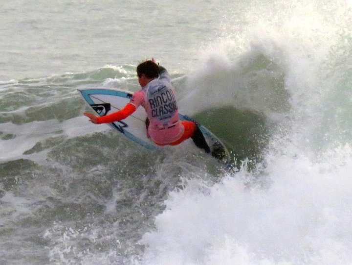 Rincon Classic surfing competitor shows us how it's done