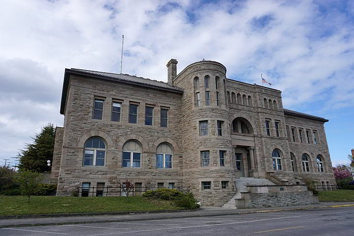 1893 Customs House building now home to the Post Office