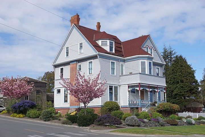 Port Townsend architecture features many Victorian era hous