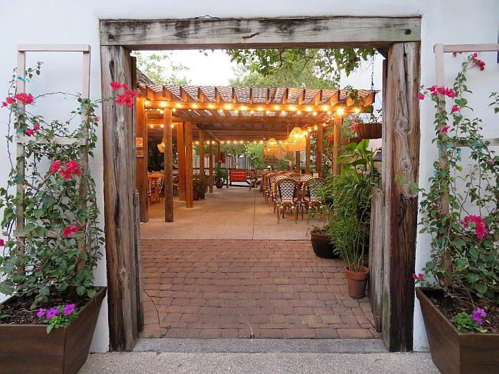 Taberna del Caballo St Augustine restaurant in the Colonial Quarter