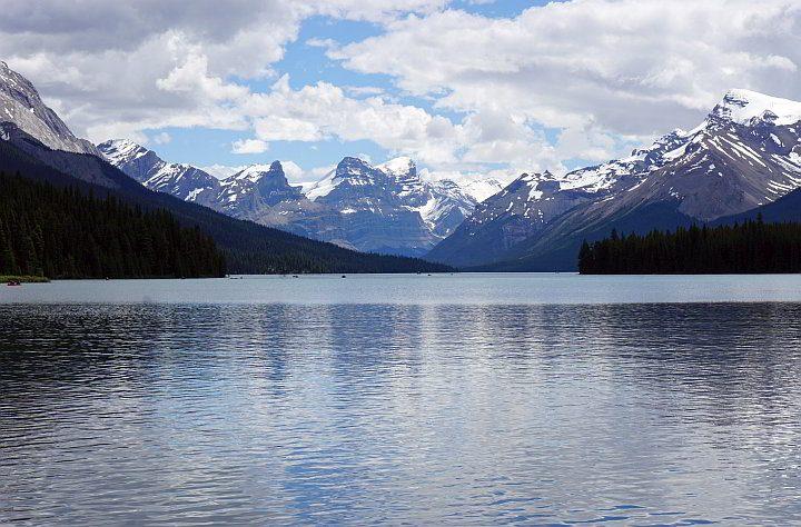 Maligne Lake Rocky Mountain landscape