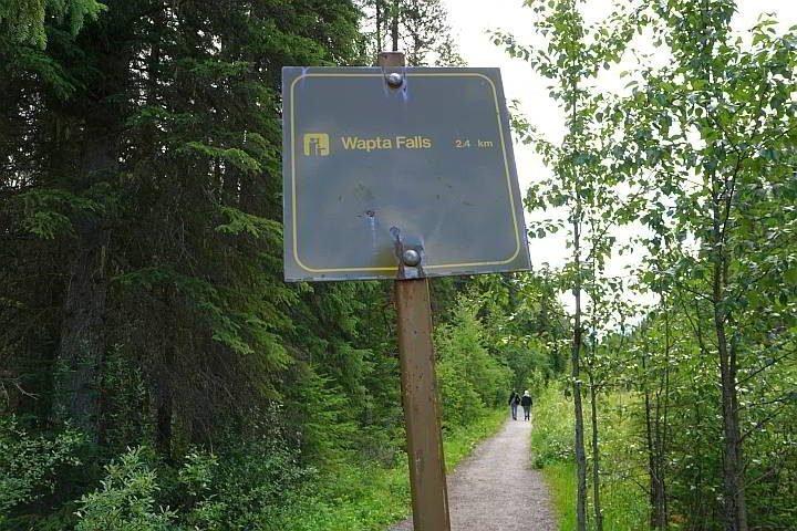Wapta Falls trail sign