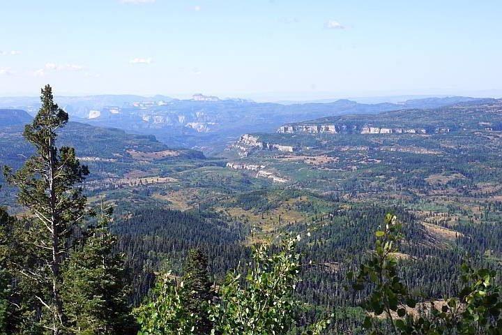 Scenic overlook Hwy 14 Utah