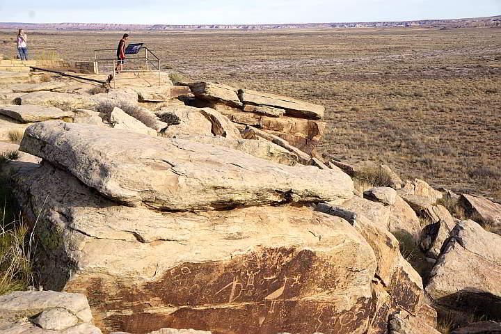 Puerco Pueblo Trail petroglyphs
