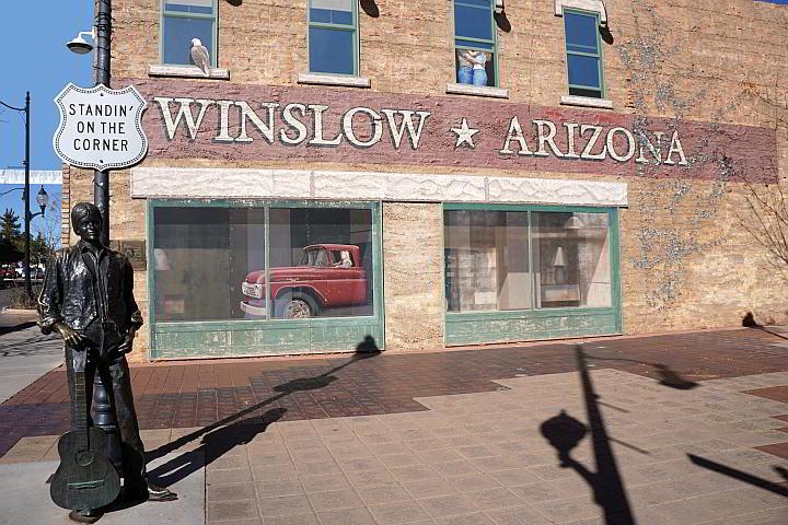 standin' on the corner winslow arizona