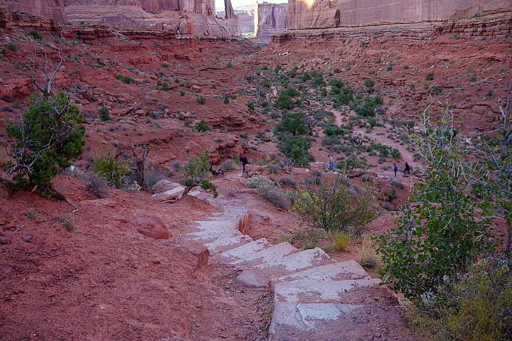 Park Avenue stairs to canyon