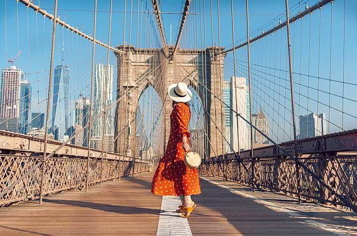 Walk across Brooklyn Bridge NYC solo trip