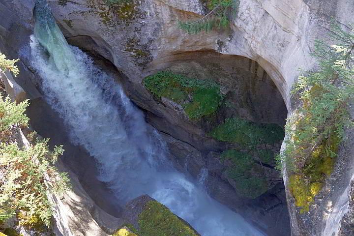 Maligne waterfall Jasper